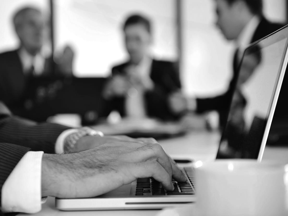 business-people-cmo-versicherungsmakler-karlsruhe-versicherung